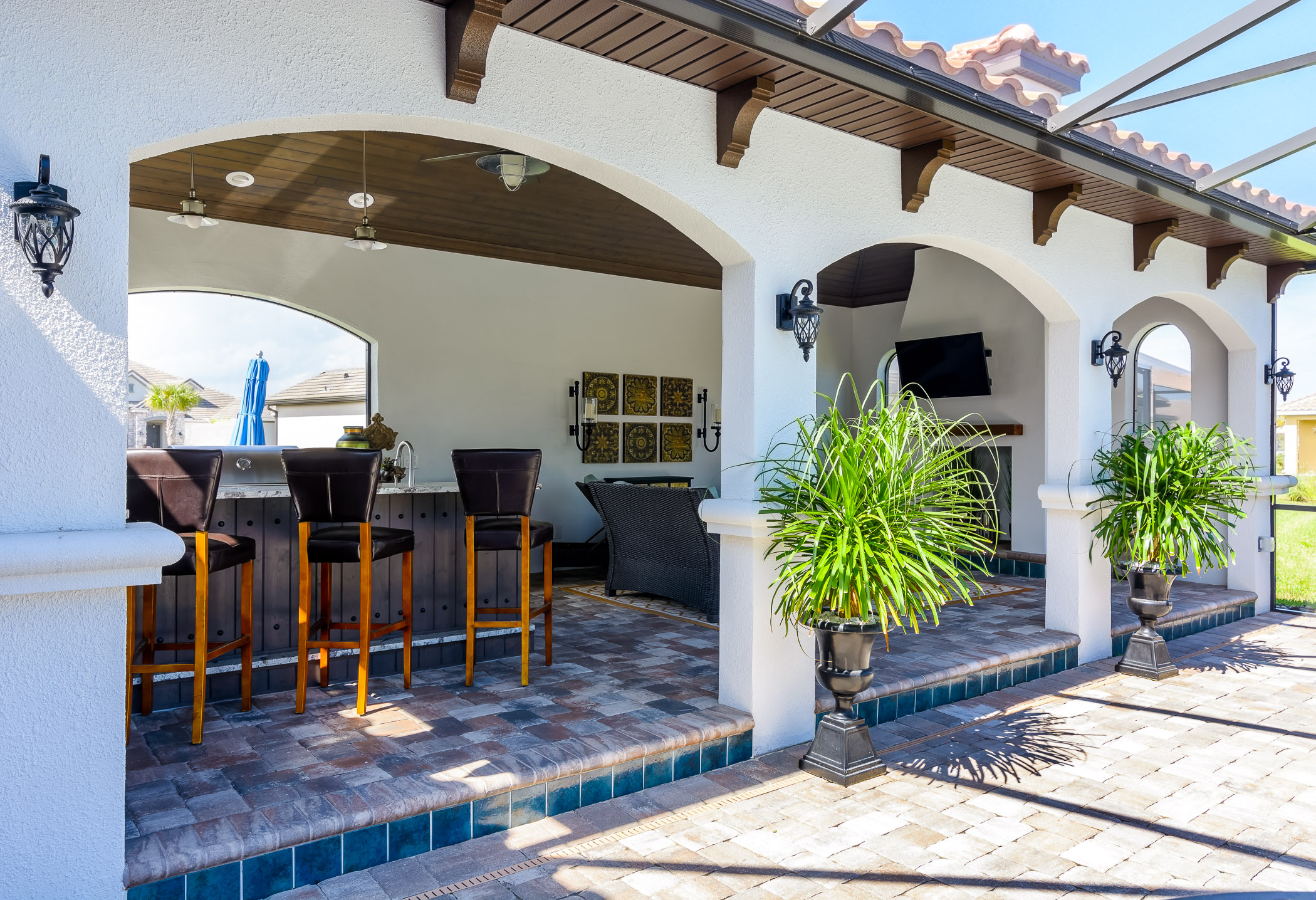 CABANA WITH STONE PAVERS AND PORCELAIN TILE